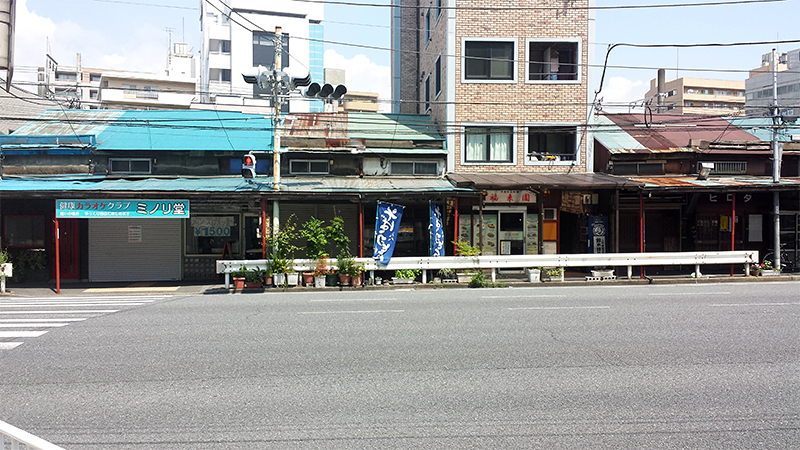 保土ヶ谷駅前