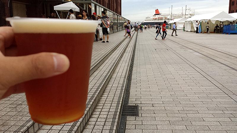 赤レンガ倉庫でビール