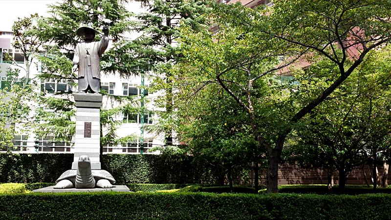 両国の徳川家康像