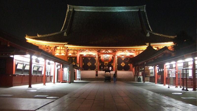 浅草寺のライトアップ