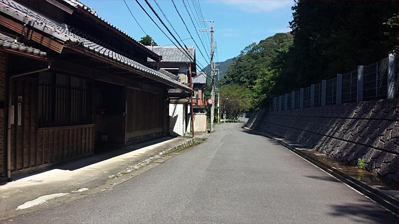 鈴鹿峠手前側の宿街、坂下宿