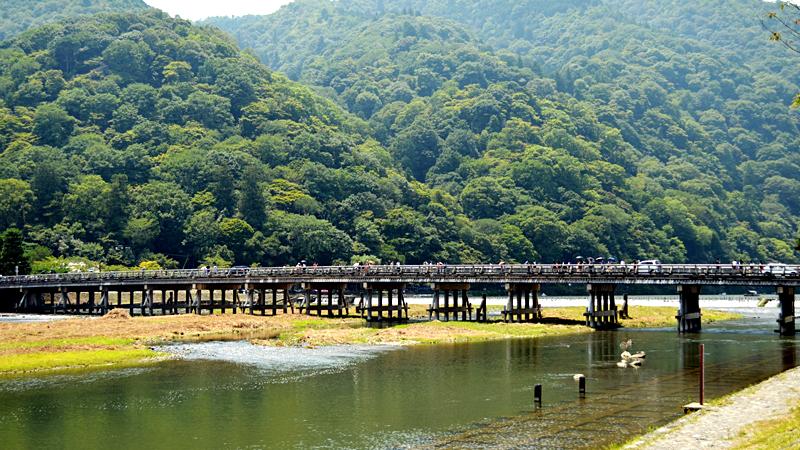 京都嵐山の保津川渡月橋