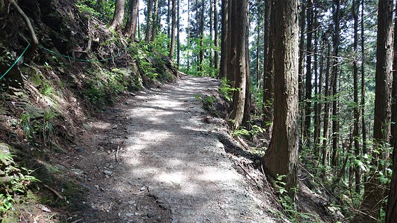 小仏峠登山道