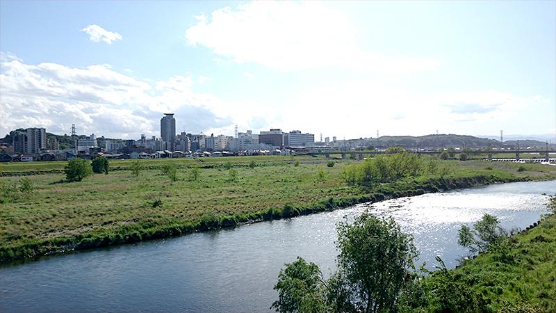 多摩川越しの聖蹟桜ヶ丘