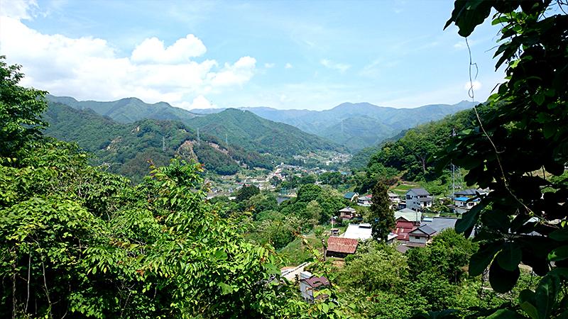 笹子峠から見る集落