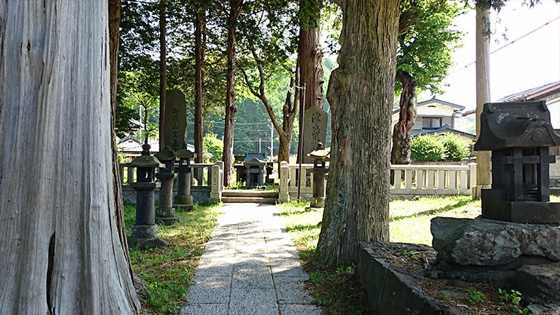 ローカルな神社