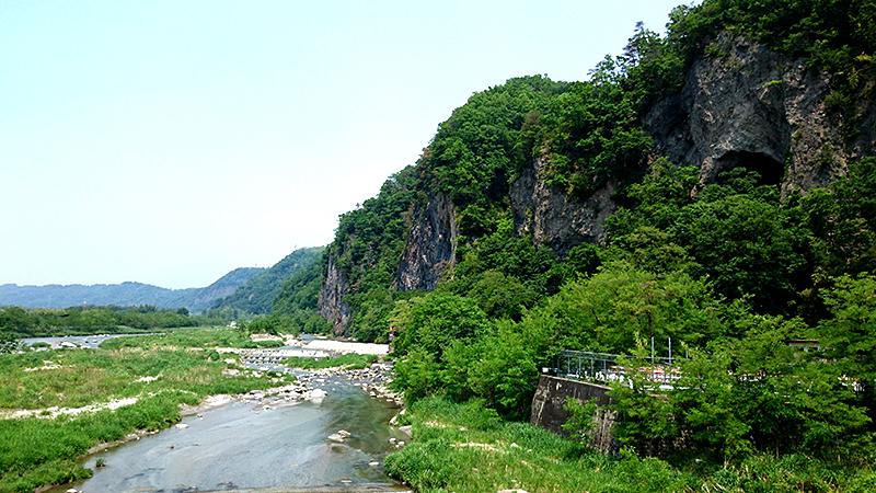 南アルプスの釜無川と七里が岩